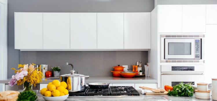 things to keep in mind when selecting cabinets and countertops